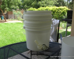 Homemade honey vat